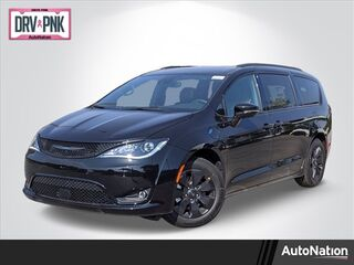 2020_Chrysler_Pacifica_Hybrid Limited_ Littleton CO