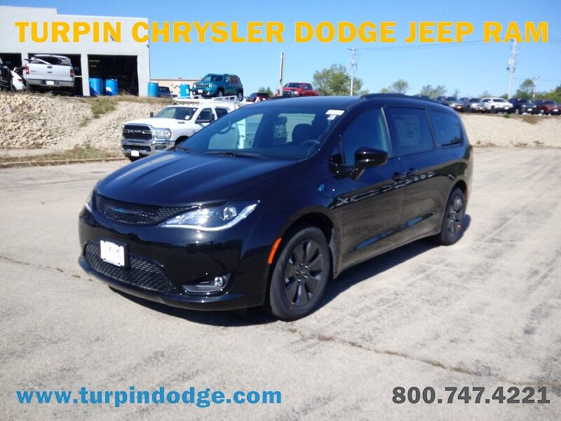 2020 Chrysler Pacifica Hybrid TOURING L Dubuque IA
