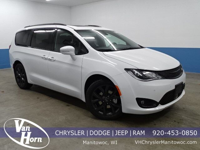 2020 Chrysler Pacifica LIMITED Manitowoc WI