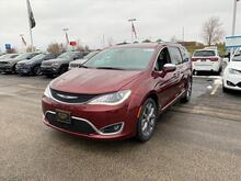 2020_Chrysler_Pacifica_Limited_ Milwaukee and Slinger WI