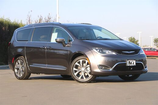 2020 Chrysler Pacifica Limited Salinas CA