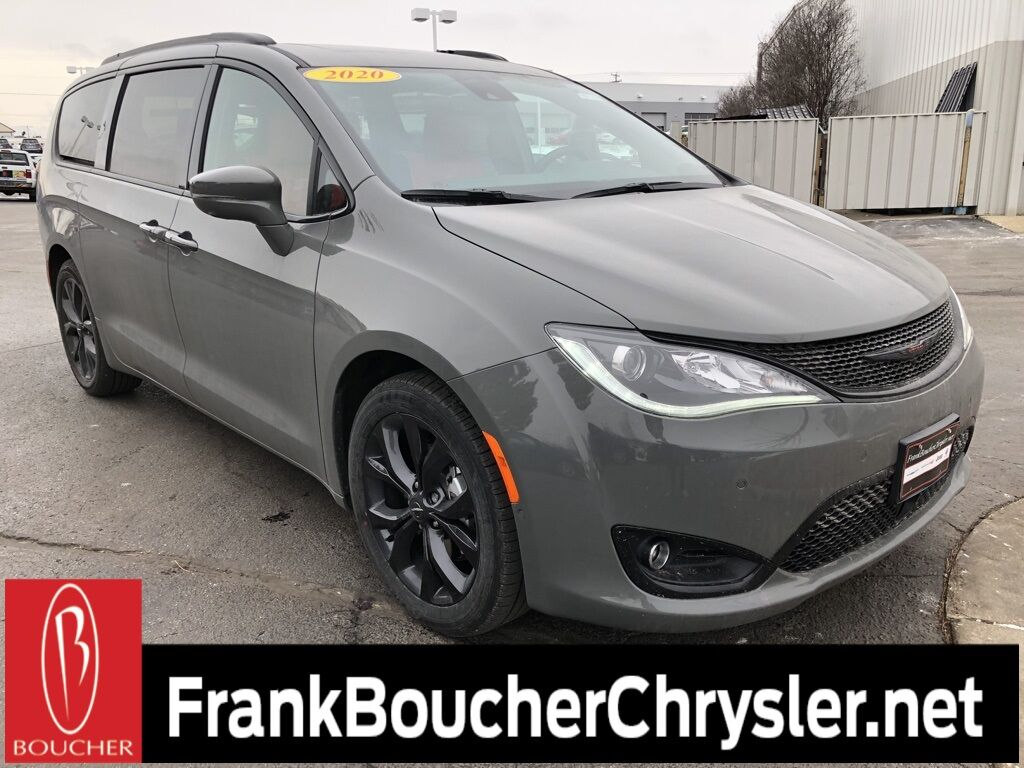 2020 Chrysler Pacifica RED S EDITION Janesville WI