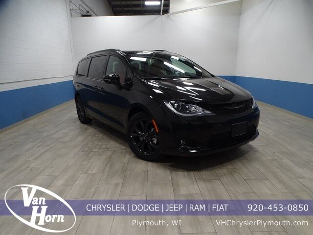 2020 Chrysler Pacifica RED S EDITION Plymouth WI