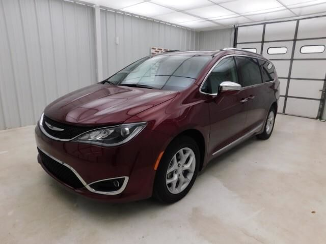 2020 Chrysler Pacifica Red S FWD Manhattan KS