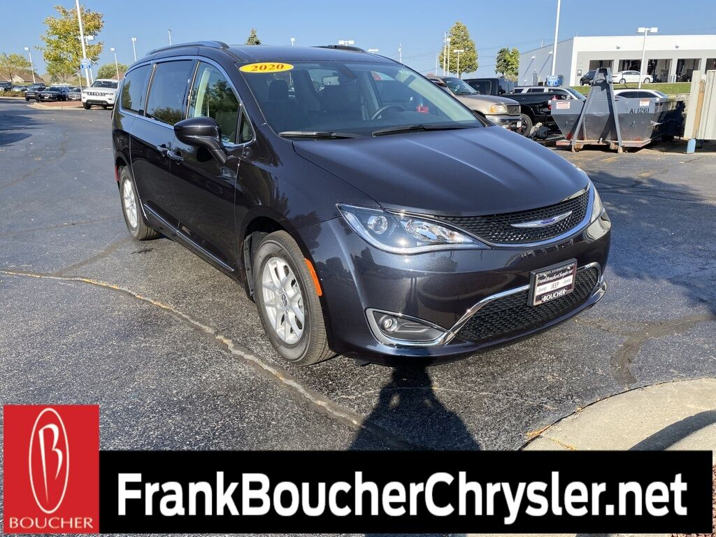 2020 Chrysler Pacifica TOURING L Janesville WI