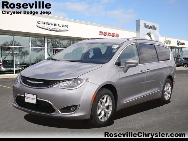 2020 Chrysler Pacifica TOURING L Roseville MN