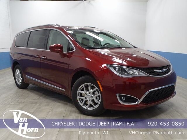 2020 Chrysler Pacifica TOURING L Plymouth WI