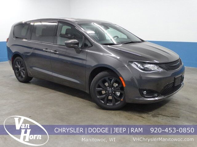 2020 Chrysler Pacifica TOURING Milwaukee WI