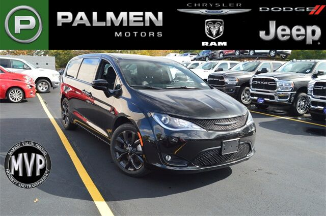 2020 Chrysler Pacifica Touring Racine WI