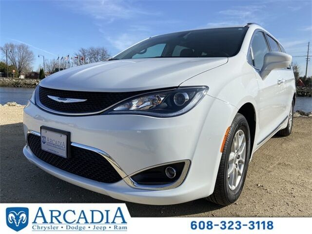 2020 Chrysler Pacifica Touring L Arcadia WI