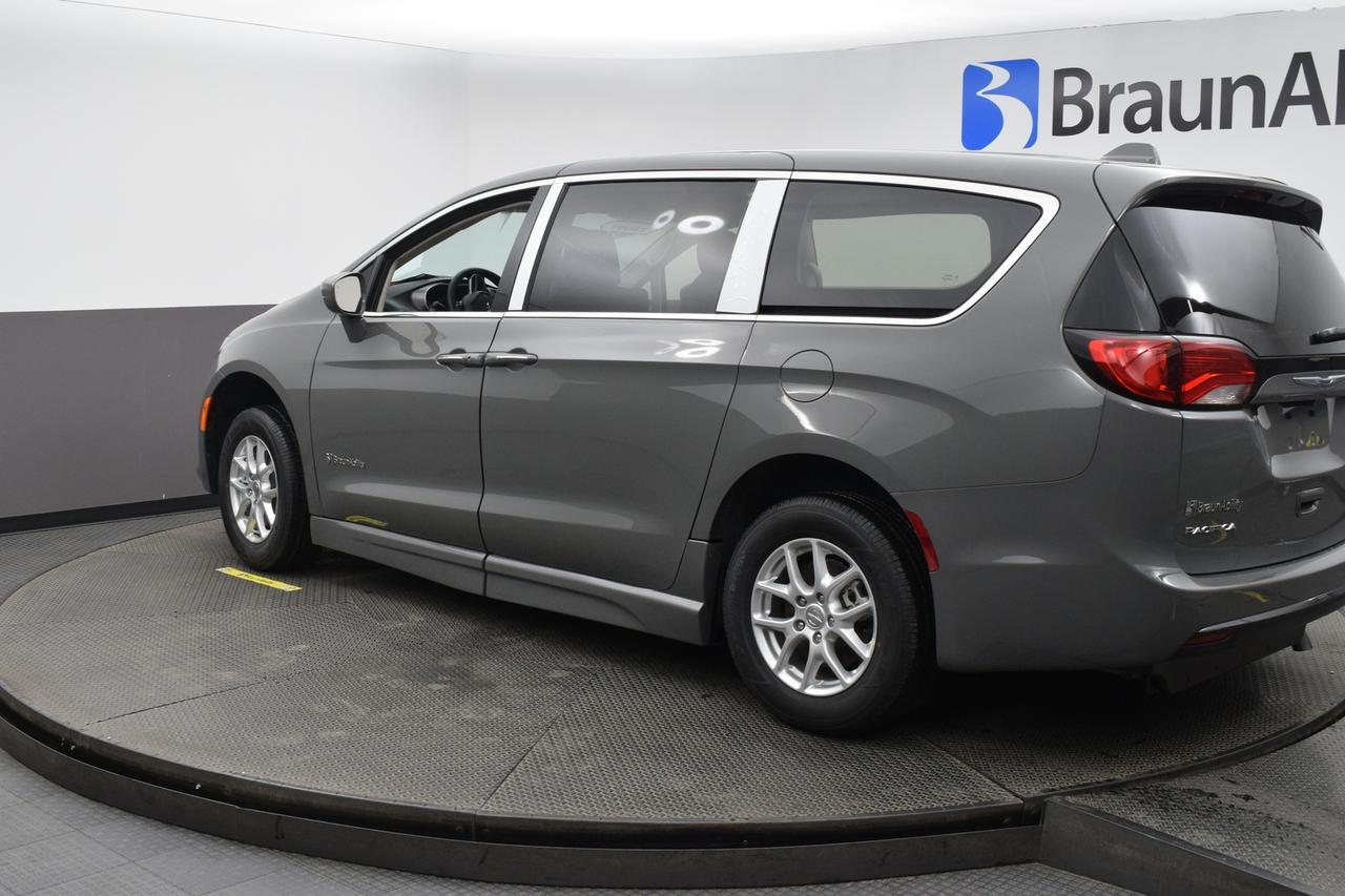 2020 Chrysler Pacifica Touring-L Bethpage NY