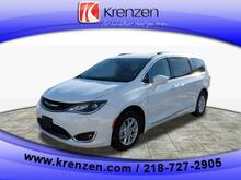 2020_Chrysler_Pacifica_Touring L_ Duluth MN