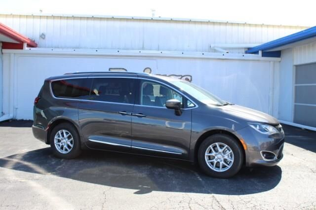 2020 Chrysler Pacifica Touring L FWD Fort Scott KS