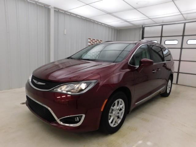 2020 Chrysler Pacifica Touring L FWD Topeka KS