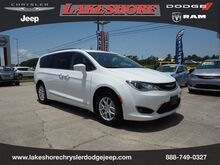 2020_Chrysler_Pacifica_Touring L FWD_ Slidell LA