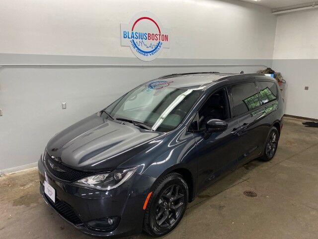 2020 Chrysler Pacifica Touring L Holliston MA