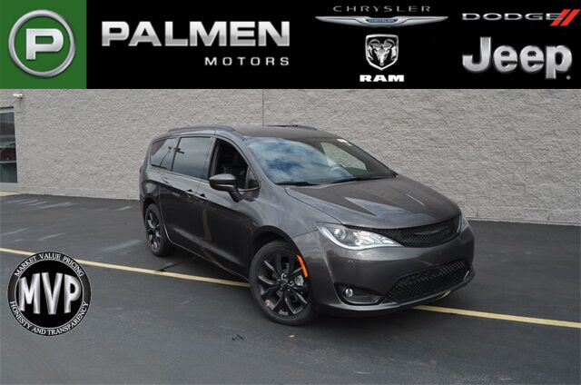 2020 Chrysler Pacifica Touring L Racine WI