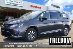 2020_Chrysler_Pacifica_Touring L Plus_ Delray Beach FL