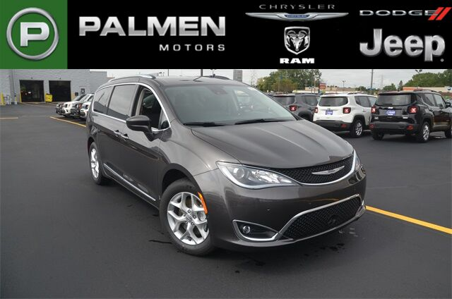 2020 Chrysler Pacifica Touring L Plus Racine WI
