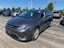 2020_Chrysler_Pacifica_Touring L Plus_ Milwaukee and Slinger WI