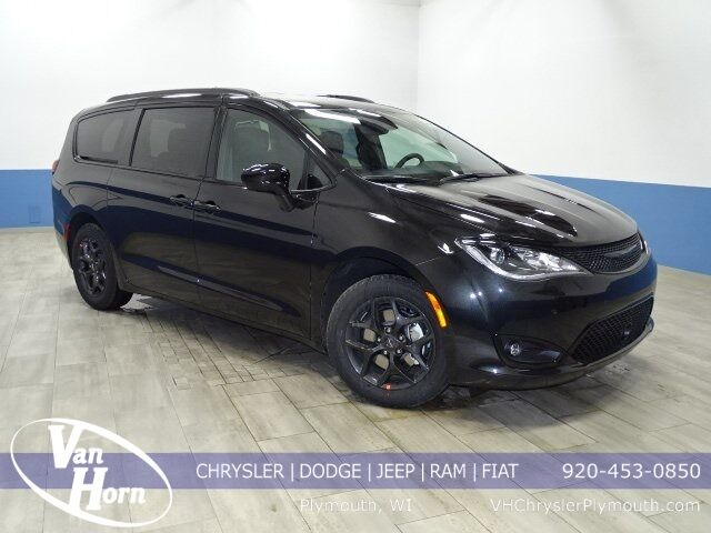 2020 Chrysler Pacifica Touring L Plus Milwaukee WI