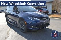 2020 Chrysler Pacifica Touring L Plus New Wheelchair Conversion Conyers GA