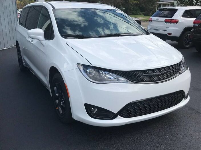 2020 Chrysler Pacifica Touring Rock City NY