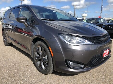 2020_Chrysler_Pacifica_Touring_ McAllen TX