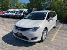 2020_Chrysler_Pacifica_Touring_ Milwaukee and Slinger WI