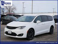 2020 Chrysler Pacifica Touring Owatonna MN