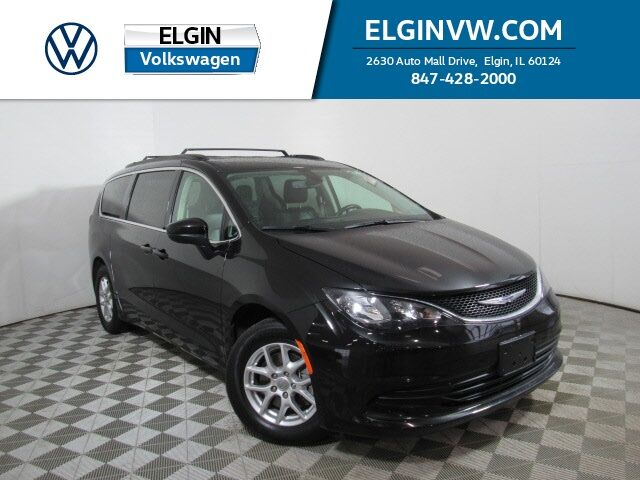 2020 Chrysler Voyager LXI Elgin IL
