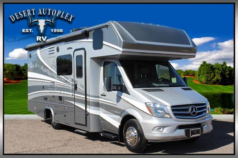 2020 Dynamax Isata 3 24FW Single Slide Class C RV