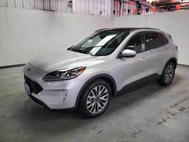 2020 Ford Escape Titanium AWD w/ PANOROOF Oroville CA