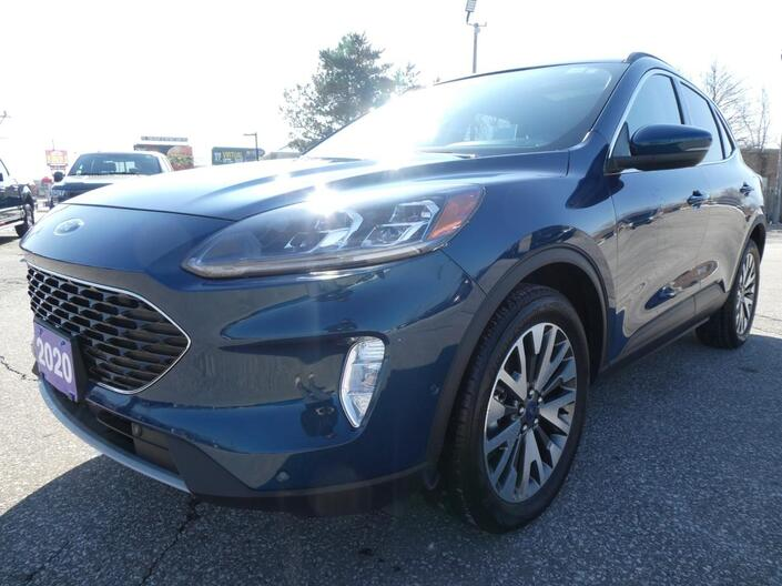 2020 Ford Escape Titanium Hybrid | Power Lift Gate | Navigation | Panoramic Roof Essex ON