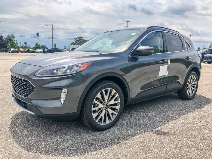 2020 Ford Escape Titanium Hybrid Essex ON