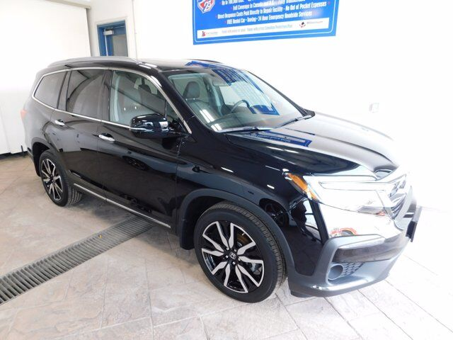 2020 Honda Pilot Touring *AWD* LEATHER NAVI DVD SUNROOF 8 PASS Listowel ON
