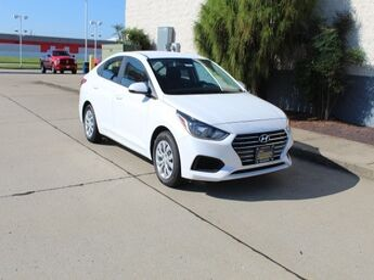 2020_Hyundai_Accent_SE_ Cape Girardeau MO