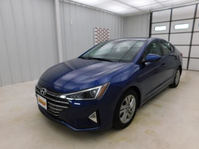 2020 Hyundai Elantra Limited IVT Manhattan KS
