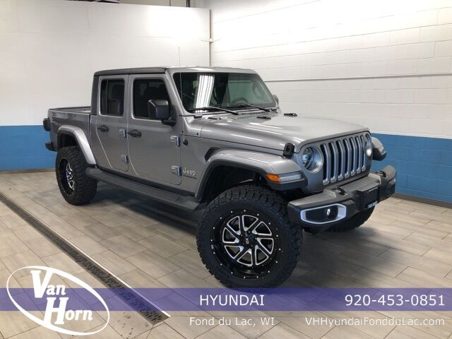 2020 Jeep Gladiator Overland Plymouth WI