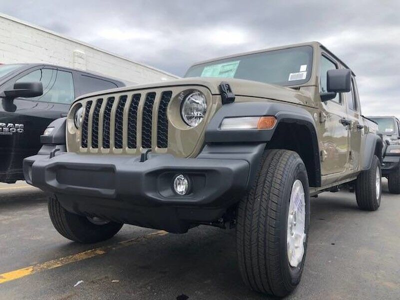 2020 Jeep Gladiator SPORT S 4X4 Little Valley NY