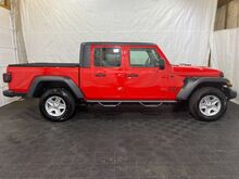 2020_Jeep_Gladiator_Sport_ Middletown OH