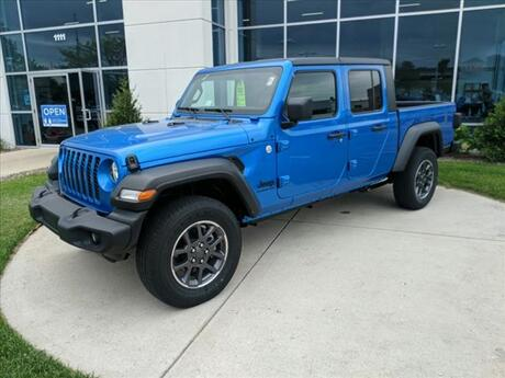 2020 Jeep Gladiator Sport Milwaukee and Slinger WI