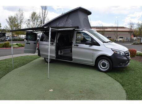 2020_Mercedes-Benz_Metris Passenger Van__ Medford OR