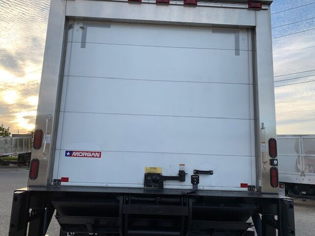 2020 Mitsubishi FE18G 14FT REFRIGERATED BOX Fort Lauderdale FL