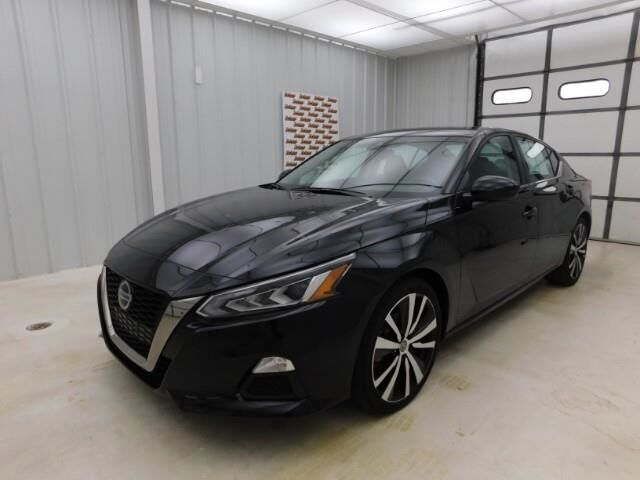 2020 Nissan Altima 2.5 SR Sedan Manhattan KS