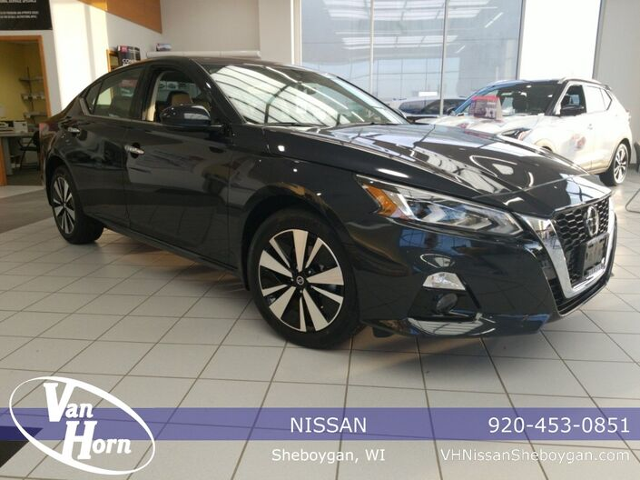 2020 Nissan Altima 2.5 SV Plymouth WI