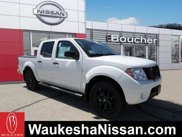 2020 Nissan Frontier SV Midnight Edition & Value Truck Package Waukesha WI