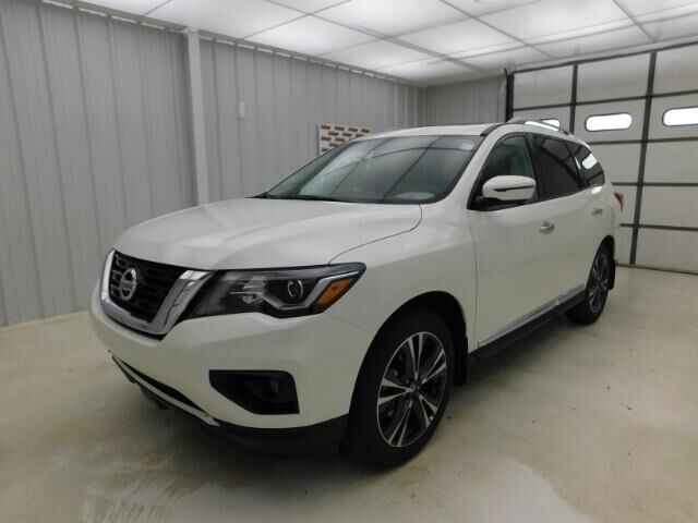 2020 Nissan Pathfinder 4x4 Platinum Manhattan KS