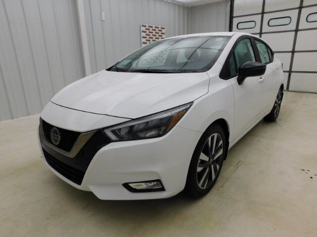 2020 Nissan Versa Sedan SR CVT Manhattan KS