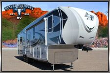 2020 Northwood Arctic Fox 32-5M Triple Slide 5th Wheel RV